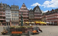 Frankfurt (81)